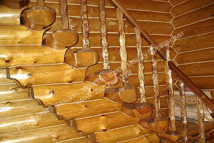 """так выглядит стена дома после герметизации швов между брёвнами герметиком """"теплый шов"""""""